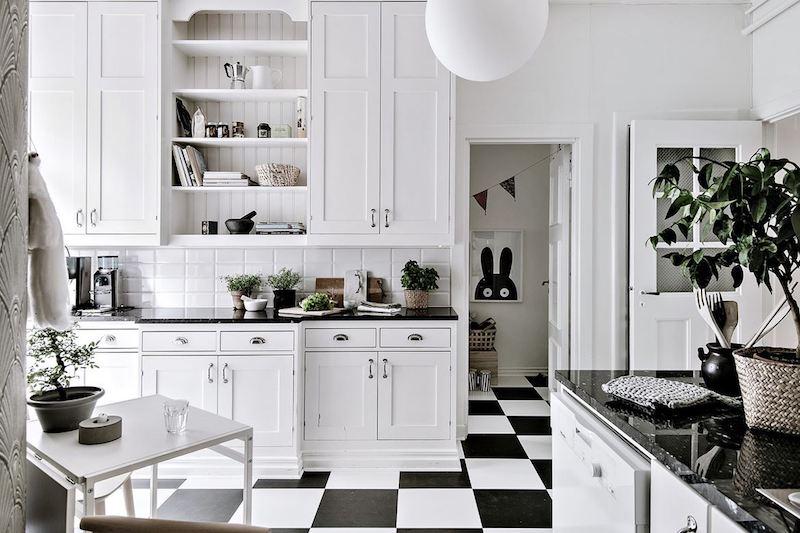 kodikasta-vanhaa-valkoista-keittio