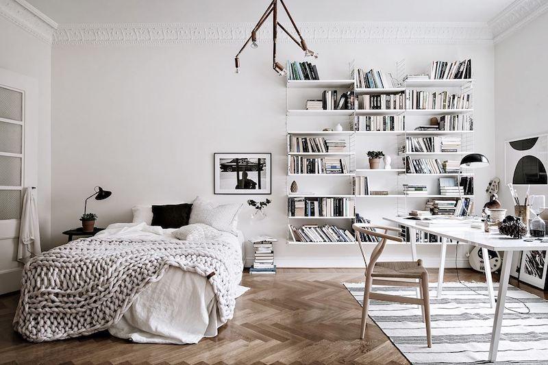 kodikasta-vanhaa-valkoista-makuuhuone