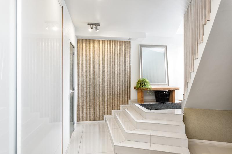 moderni-koti-tyyli-portaikko